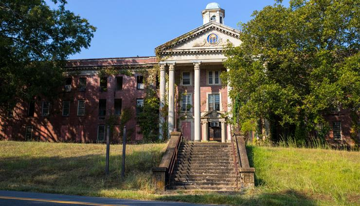 Image of the Jones Building at Central State Hospital. Image courtesy the Georgia Trust for Historic Preservation, Photo by MotorSportMedia/Halston Pitman/Nick Woolever